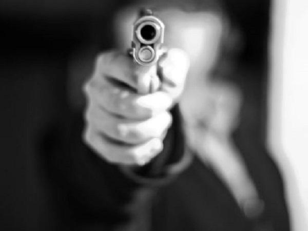 ये भी पढ़ें:- यूपी: प्रेम-प्रसंग से नाराज लड़की के पिता ने आशिक के सीने पर बंदूक रखकर मारी गोली, मौके पर ही मौत