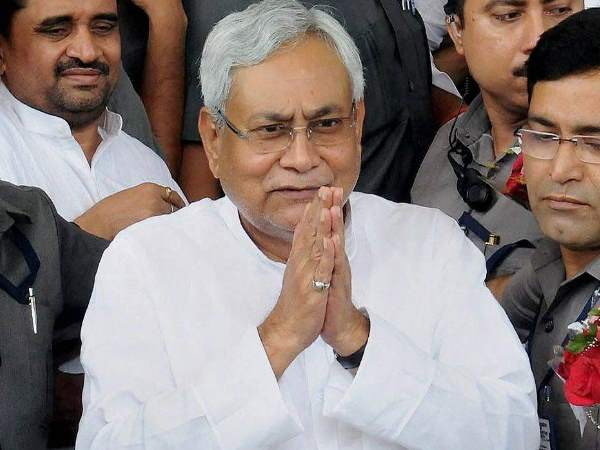 bihar cabinet approves 25 thousand to graduate girls