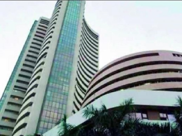 sensex nifty rises higher in early trade, rupee gains against dollar