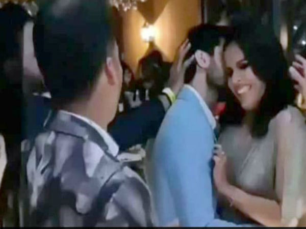 <strong>पढ़ें-VIDEO: शादी के बाद साइना- कश्यप का रोमांटिक डांस, सबके सामने किया साइना को KISS</strong>