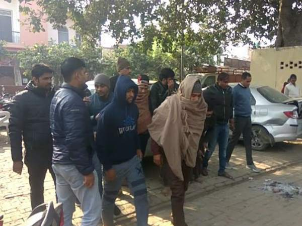 stf and police arrested seven fraud people from baghpat