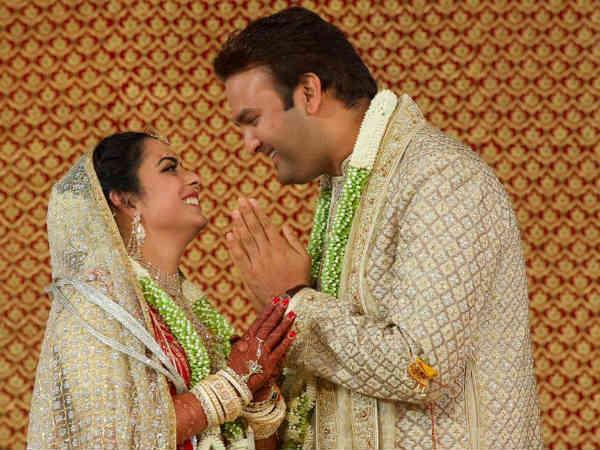 ईशा अंबानी की शादी में पहुंचा पूरा बॉलीवुड, देखें शादी की भव्य तस्वीरें