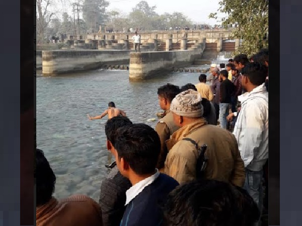 saharanpur youth loses balance while taking selfie near canal, dies