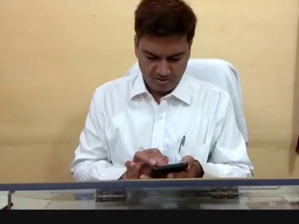 Use of mobile phone banned in Mau