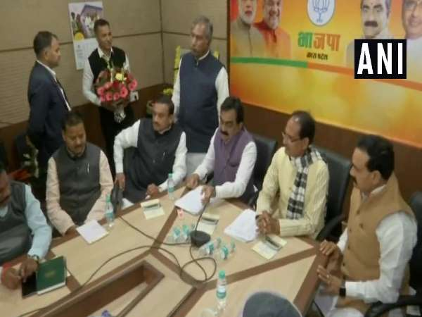 MP CM Shivraj Singh Chouhan called meeting with BJP leaders this evening over the counting process of polls