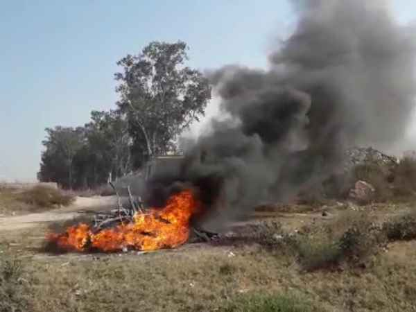 police burnt undefined dead body by tire in baghpat