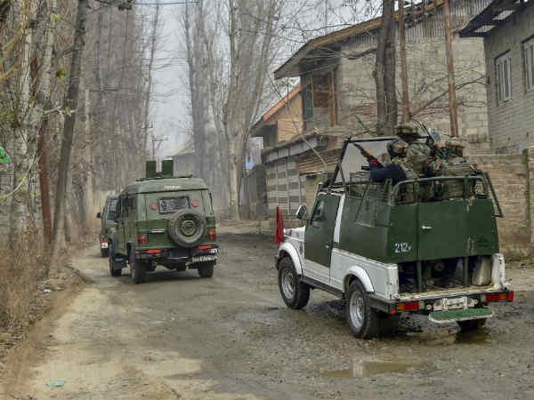 Pulwama Attack: कुछ बड़ा करने की तैयारी में भारत, पाकिस्तान में बढ़ी खलबली