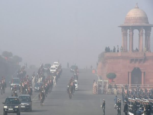 cold waves in delhi made people shiver, it may rain on Wednesday