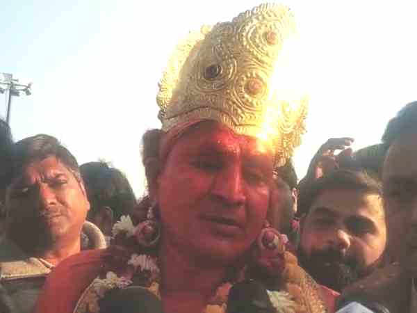 In dress of Hanuman a man reached in PM Modi rally
