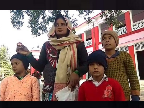 shahjahanpur: Woman seeks justice In case of husbands murder