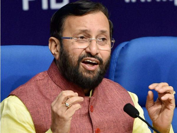 prakash javdekar denies the recommendation of making any language compulsory in new draft policy