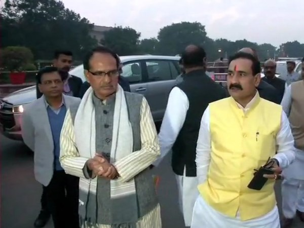 A delegation of BJP leaders from Madhya Pradesh today met President in Delhi with Shivraj Singh Chouhan
