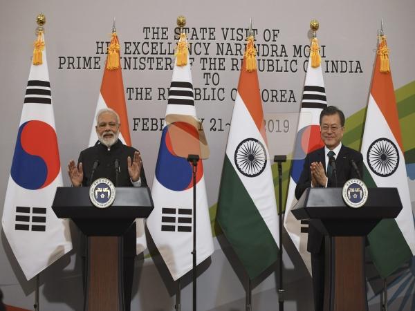 पीएम मोदी ने 'सियोल शांति पुरस्कार' में मिले 1 करोड़ 30 लाख रुपए 'नमामि गंगे' को दिए