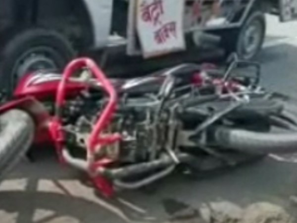 two killed one injured road accident in kanpur