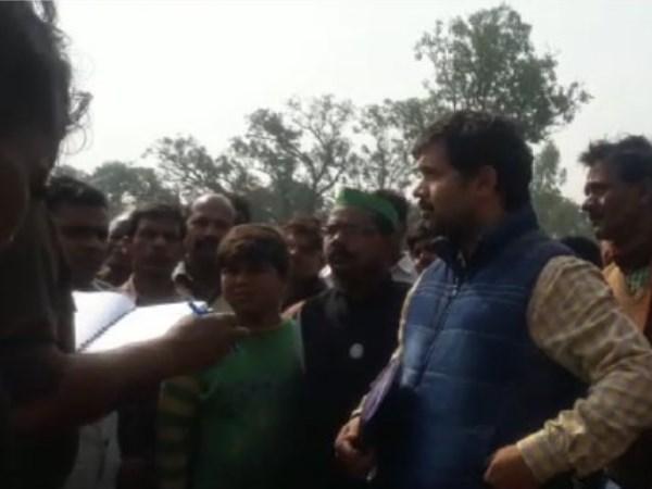 बाराबंकी: अंबेडकर के बाद अब चौधरी चरण सिंह की मूर्ति तोड़ी, किसानों में आक्रोश