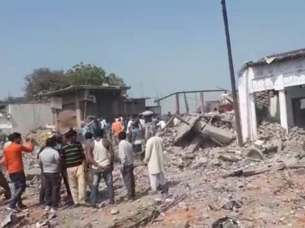 bhadohi carpet factory blast news and update