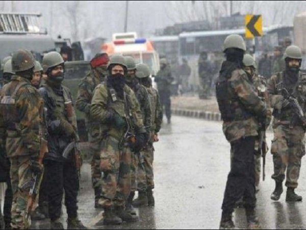 ये भी पढ़ें: पुलवामा हमला: जैश-ए-मोहम्मद से संबंधों के शक में 23 संदिग्धों को सुरक्षाबलों ने हिरासत में लिया
