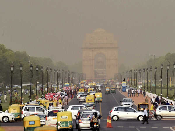 मौसम ने ली फिर करवट, दिल्ली-NCR में हल्की बारिश के आसार