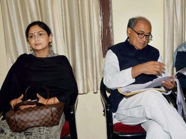 दिग्विजय की पत्रकार पत्नी अमृता को एमपी की इस सीट से चुनाव लड़ाने की तैयारी में कांग्रेस