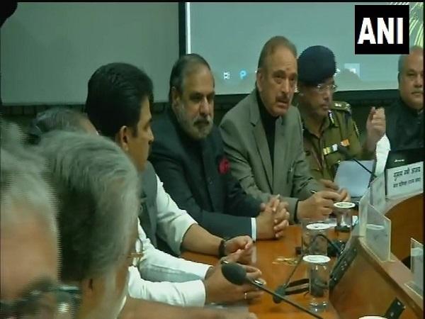 Pulwama Attack पर सर्वदलीय बैठक जारी, कई दलों के नेता मीटिंग में शामिल