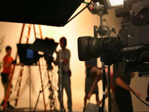 पुलवामा हमले के बाद भारतीय फिल्म इंडस्ट्री में पाकिस्तानी कलाकारों पर लगा बैन