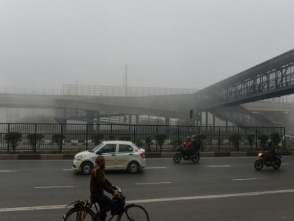 cold in delhi will trouble more, 18 trains running late