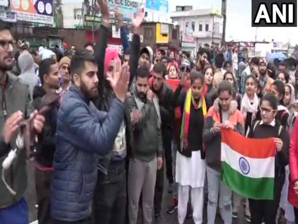 Pulwama Terror Attack: Locals protest in Kathua against Pakistan