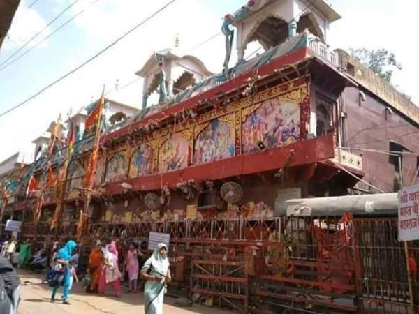 राजस्थान के मेहंदीपुर बालाजी ट्रस्ट ने पुलवामा हमले के शहीदों के परिजनों के लिए दिए 10 लाख