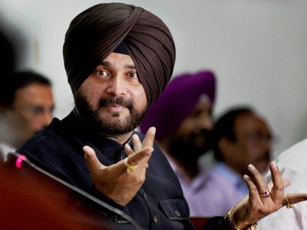 पुलवामा हमले पर बयान से मुश्किल में नवजोत सिंह सिद्धू, मुंबई फिल्म सिटी में घुसने पर लगा बैन