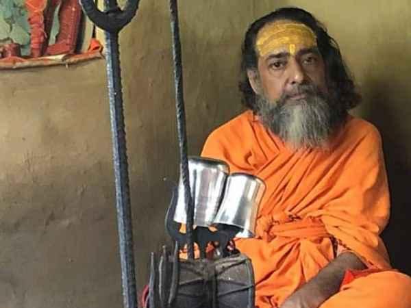 कुंभ में संतों का गुस्सा: आतंकी मसूद अजहर का सिर काटकर लाने वाले को पांच करोड़ देने का ऐलान