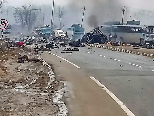 Pulwama Terror Attack: सोशल मीडिया पर वायरल हो रही है आतंकी हमले की फेक Video और फोटो, CRPF ने जारी की एडवाइजरी