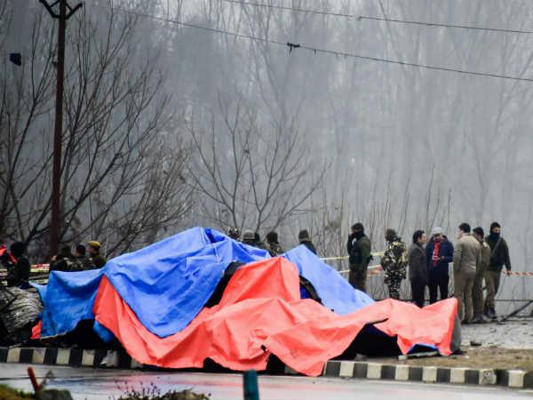 ये भी पढ़ें: पुलवामा हमला: NIA को मिली हमले में प्रयोग कार की सीसीटीवी फुटेज, जांच में बेनकाब हुआ पाकिस्तान