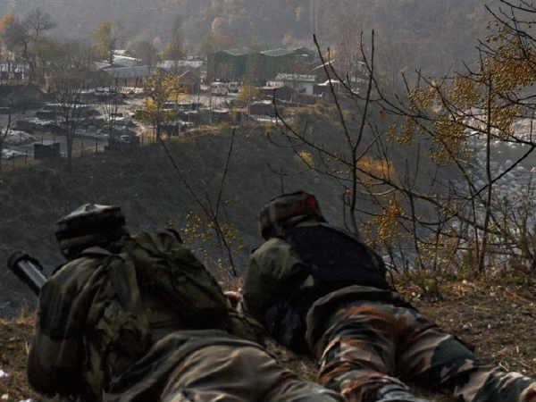 पुलवामा हमला: सुरक्षाबलों से डरे जैश ने कश्मीर में अपने ठिकाने बदले, LoC पर सेना हाई अलर्ट पर