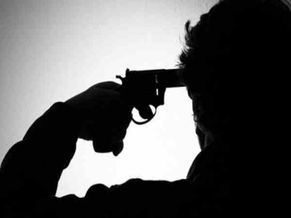 asi shot himself in maharashtra