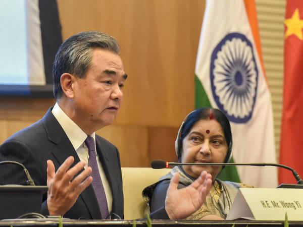 अगले हफ्ते चीन के विदेश मंत्री से मिलेंगी सुषमा स्वराज, अजहर के बैन के लिए डाल सकती हैं दबाव