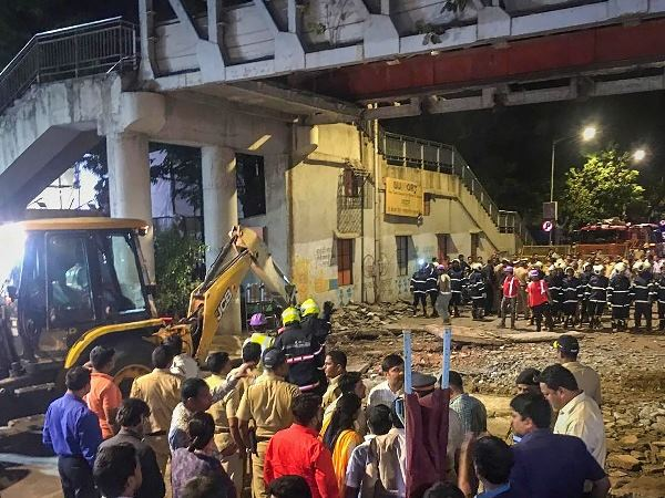 FIR agaisnt railway officers and bmc in mumbai bridge collapse