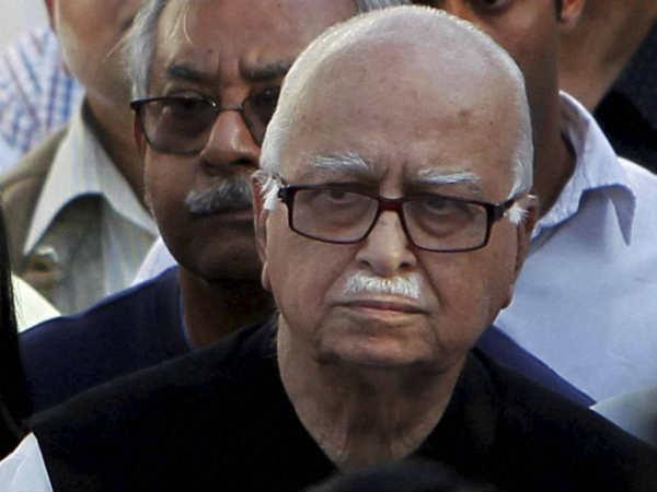 आडवाणी का टिकट कटने पर बोले कांग्रेस नेता, दूध पिलाने वाले को काटना सांप की फितरत