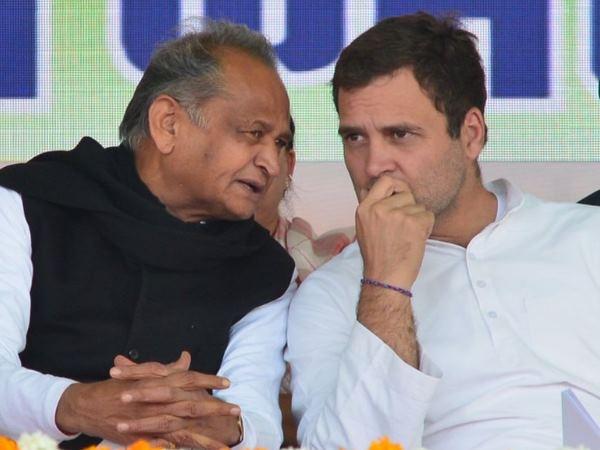 अशोक गहलोत बोले- गांधी परिवार के बगैर बिखर जाएगी कांग्रेस, इसलिए उनका नेतृत्व जरूरी