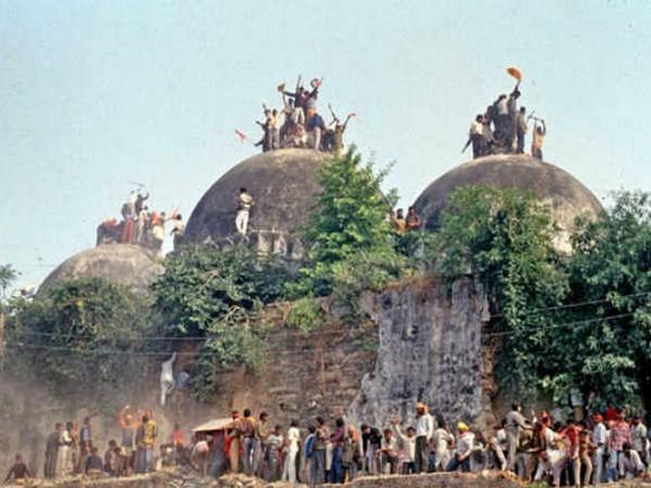 अयोध्या विवाद पर मुस्लिम पर्सनल लॉ बोर्ड ने बुलाई आपात बैठक