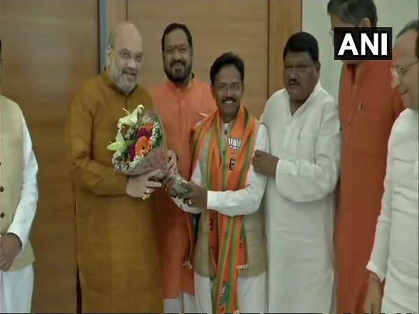 Odisha: Balabhadra Majhi joins BJP, earlier resigned from the BJD