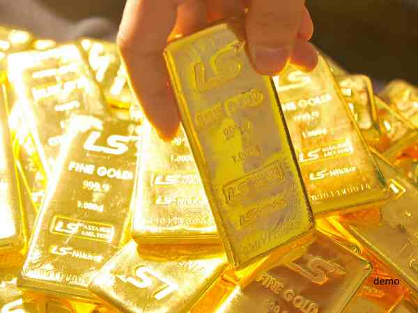 over 100 kg gold found after DRI and other agencies raided in a factory in jamnagar