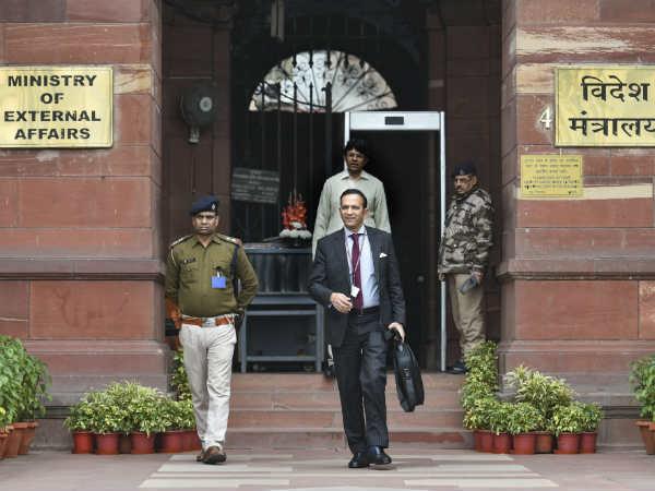 इस्लामाबाद में भारतीय राजनयिकों का पीछा कर रहे पाक एजेंसी के अधिकारी, भारत ने दी चेतावनी