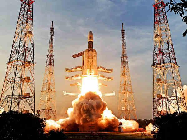 <strong>ये भी पढ़ें- नासा की तर्ज पर इसरो ने भी आम लोगों के लिए खोले लाइव रॉकेट लॉन्चिंग देखने के दरवाजे</strong>