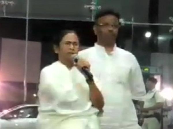 ममता बनर्जी का पीएम मोदी मोदी पर निशाना, बोली-आडवाणी की हुई बेइज्जती
