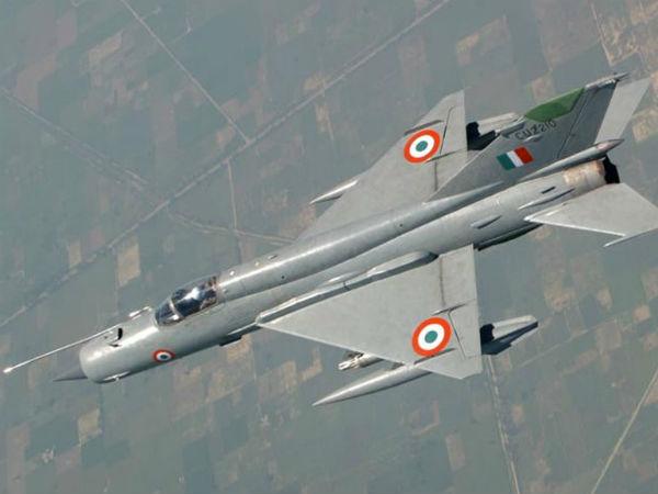 यह भी पढ़ें-विंग कमांडर अभिनंदन के मिग-21 पर एफ-16 ने पांच मिसाइलों से बोला था हमला!