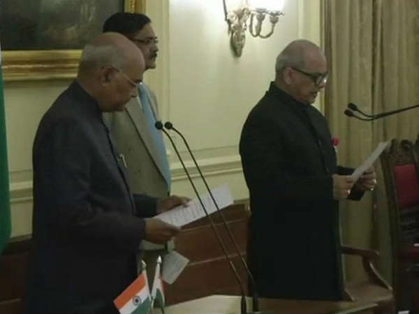 जस्टिस पिनाकी चंद्र घोष बने भारत के पहले लोकपाल, राष्ट्रपति ने दिलाई शपथ