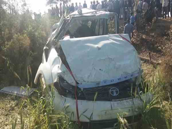 three people died including an engineer in a road accident