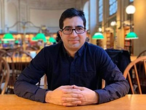 former IAS officer Shah Faesal will launch political party on sunday