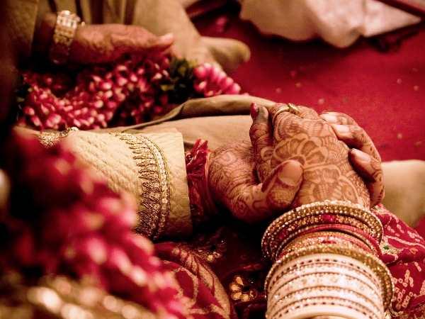 सुहाग सेज पर पति-नंदोई ने पार की हदें