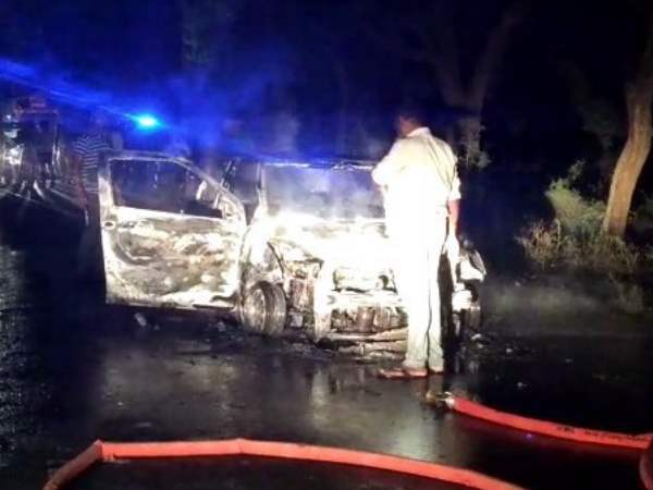 election duty officer car catches fire in agra